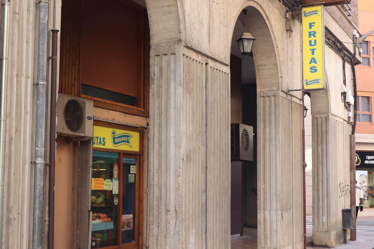 Tienda de Frutas Bruned en Calle Domingo Miral, 11, Jaca (Huesca)