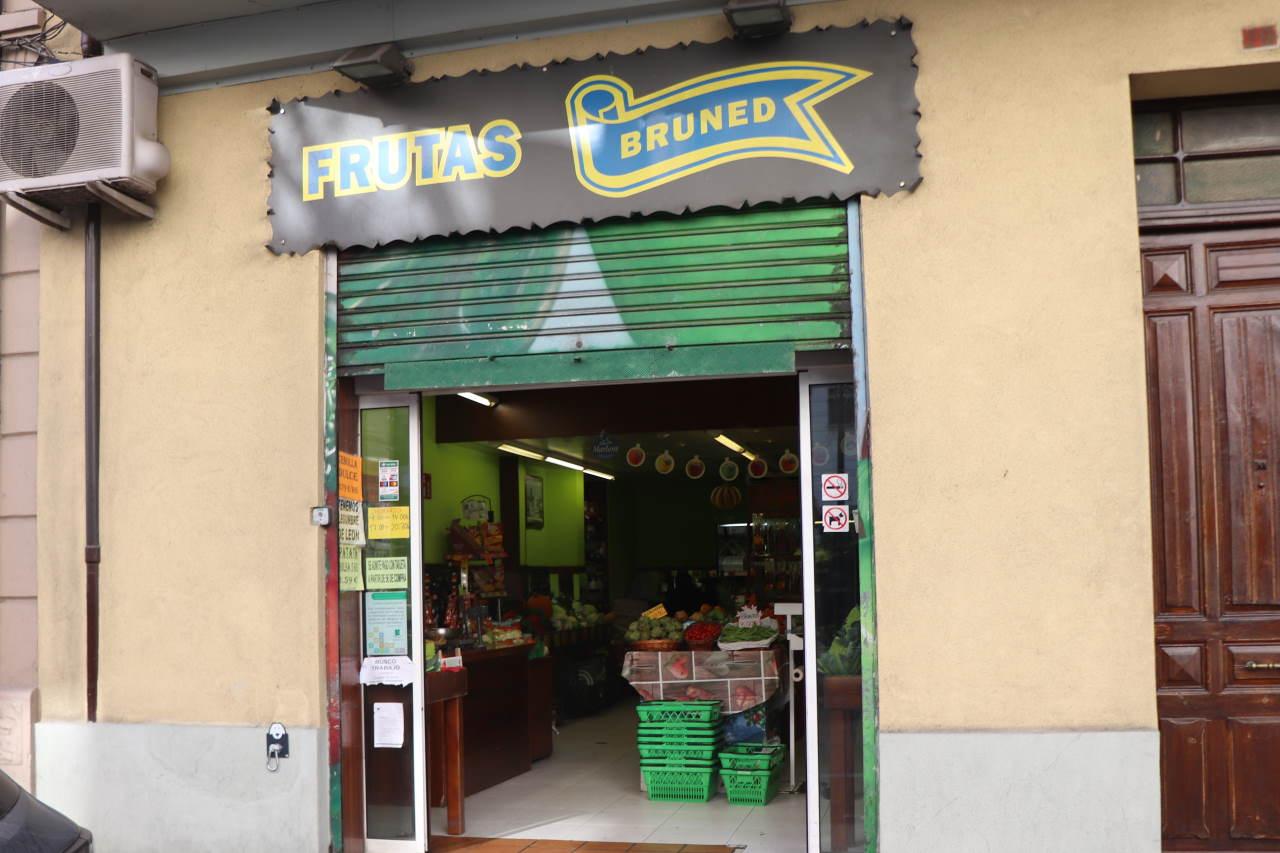Tienda de Frutas Bruned en Avenida Jacetania, 20, Jaca (Huesca)